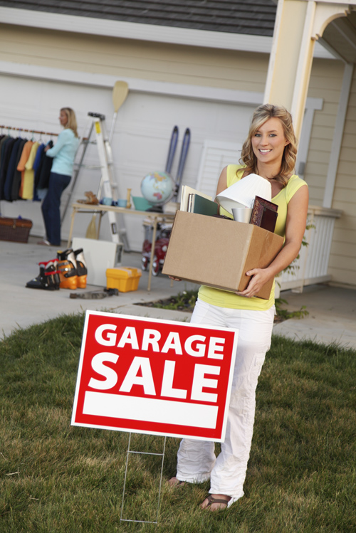 how to set up a community garage sale