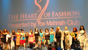 Mahnah club fashion show